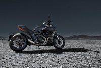 Diavel Dark - The dark side of power